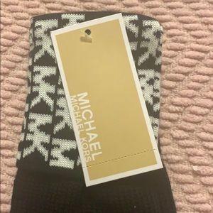 Michael Kors knitted gloves - NEW - great gift!